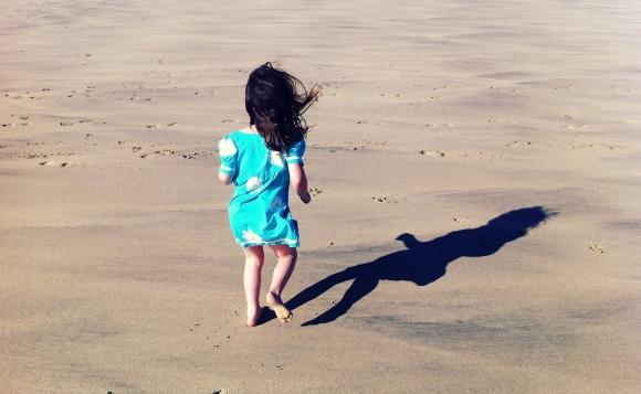 BEACH SHADOW