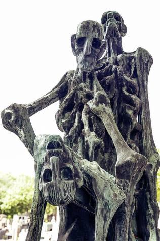 grave skeleton